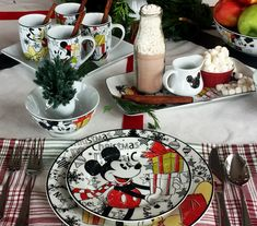 Disney, Christmas, Mickey Mouse, Table setting, Table decor, Holiday, home decor, red, plaid, Mickey Mouse Wreath, Mickey Mouse Christmas, Mickey Minnie Mouse, Cozinha Do Mickey Mouse, Mickey Mouse Kitchen, Casa Disney, Disney Rooms, Minnie Mouse House, Mickey Mouse And Friends
