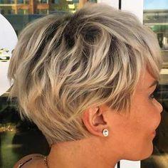 18-Short Layered Haircut Choppy Pixie Cut, Edgy Pixie Cuts, Pixie Bob, Asymmetrical Pixie, Best Pixie Cuts, Edgy Pixie Hair, Short Shag Hairstyles, Pixie Haircuts, Winter Hairstyles