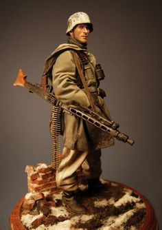 1/9  Waffen SS Machine Gunner resin figure painted and Sculpted by John Rosengrant