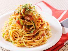 パスタの量を減らし、野菜でかさ増しボリュームアップ!味をみて塩味が足りなければ、「ヤマサ昆布つゆ」を加えて味を調えてください。