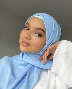 Muslim Women Fashion, Modern Hijab Fashion, Hijab Fashion Inspiration, Islamic Fashion, Mode Abaya, Mode Hijab, Hijabi Girl, Girl Hijab, Arab Girls