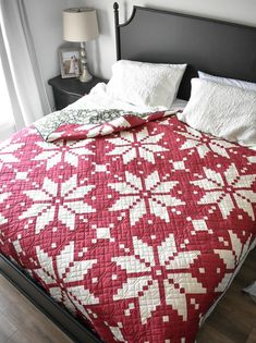 """Knitted Star is inspired by the """"Fair Isle"""" traditional knitting technique. Create a two-toned """"Traditional"""" quilt or a """"Modern"""" version using your favorite fat quarters. Pattern includes helpful diagrams, thorough instructions, alternate color-way ideas and a coloring page to plan your quilt. Wall Hanging Size: 27"""" x 27"""" Throw Quilt Size: 62"""" x 62"""" Bed Quilt Size: 93"""" x 93"""" WOF= 42"""" if your WOF is less than 42"""" wide, you may need more yardage; all seams are a scant 1/4"""" Skill Level: Intermediat Christmas Quilt Patterns, Star Quilt Patterns, Star Quilts, Quilting Ideas, Diy Christmas Quilt, Christmas Ideas, Christmas Quilting Projects, Children's Quilts, Patchwork Quilting"""
