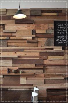 Paredes diferentes, paredes com textura, decoração na parede, sala com parede diferente, parede com madeira, parede de pedras