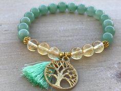Prosperity Bracelet, Aventurine, Citrine This beautiful bracelet is made of Aventurine beads, Boho Jewelry, Beaded Jewelry, Jewelry Bracelets, Jewelry Accessories, Jewelry Design, Ankle Bracelets, Silver Bracelets, Jewellery, Diy Schmuck