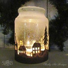 Easy Mason Jar Christmas Crafts That Are Just as Pretty as They Are Fun to Make Einmachglas Weihnachten Handwerk – Weihnachten Handwerk – Landleben Mason Jar Christmas Crafts, Christmas Lanterns, Noel Christmas, Mason Jar Crafts, Christmas Projects, Handmade Christmas, Holiday Crafts, Christmas Gifts, Christmas Decorations