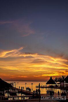 Sunset Marina #sunset #lagoon #cancun