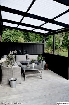 The patio of a house can be settings for many unique things. Whether you have a tiny space or a larger one, you want your outdoor space to be comfortable and nice. Your patio supplies the foundation for your outdoor living space. Diy Pergola, Diy Patio, Cheap Pergola, Modern Pergola, Black Pergola, Black Deck, Rustic Pergola, Pergola Carport, Steel Pergola