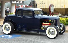1932 Ford 5-Window Coupe.
