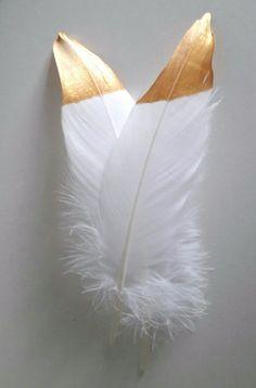 10 Federn weiß gold Boho Hochzeit Tischdeko Taufe Party Vogelfeder Feder Vintage