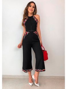 Macacao Pantacourt Julia Casual Dresses, Casual Outfits, Fashion Dresses, Womens Dungarees, Stylish Hoodies, Work Looks, Look Fashion, Casual Looks, Cool Outfits