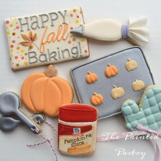 Fall Baking Cookies - The Painted Pastry - Cookies that Look Like Other Food - Sienna Fall Decorated Cookies, Fall Cookies, Iced Cookies, Cut Out Cookies, Cute Cookies, No Bake Cookies, Cookies Et Biscuits, Baking Cookies, Gourmet Cookies