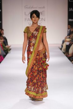 Pretty Shriya Saran in Shashikant Naidu's Collection at Lakme Winter Festive 2014. #lakmefashionweek #JabongLFW