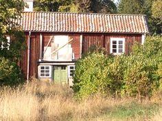 Poor old, beautiful cottage/house in Roslagen