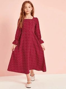 Girls Confetti Heart Print Flounce Sleeve Dress Check out this Girls Confetti Heart Print Flounce Sleeve Dress on Shein and explore more to meet your fashion needs! Baby Girl Dress Patterns, Dresses Kids Girl, Baby Dress, Outfits Niños, Kids Outfits, Fashion Kids, Dress Anak, Houndstooth Dress, Kid Outfits