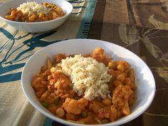 Indiase bloemkoolcurry met kikkererwten, vegetarisch, veganistisch, plantaardig, zonder melk,