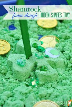 10+ Fun St. Patrick's Day Crafts and Activities for Kids: Shamrock foam dough sensory tray