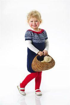 Tema 30: Modell 9 Marius kjole med rundt bærestykke Fair Isle Knitting, Nordic Style, Straw Bag, Barn, Pattern, Kids, Inspiration, Inspire, Colour