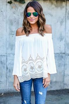 Off the Shoulder Tops That Show a Sexy Bit of Skin