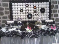 decoração festa anos 60 - Pesquisa Google Festa Rock Roll, Chanel Party, Twin Birthday, Birthday Ideas, Birthdays, Chandelier, Baby Shower, Ceiling Lights, Rose