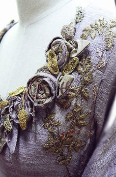Embroidery details of what Sansa wore during the Tourney of the Hand  Michele Carragher