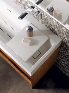 #mobile Suit con Vanity Top, una superfice extra per appoggiare i saponi e tutti i tuoi oggetti per il #bagno - www.gasparinionline.it #beauty #bathroom #lovelyhome #arredamento