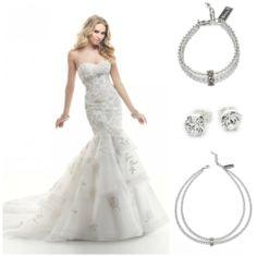 Maggie Sottero dress with Abrazi Jewelry www.honeymoonshop.nl