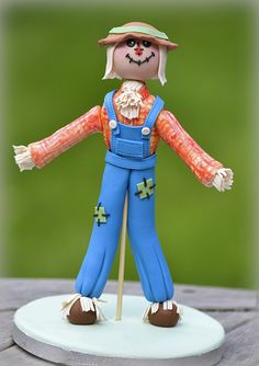 SugarEd Productions Online Classes- Scarecrow Tutorial with Rhu Strand