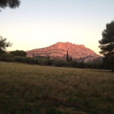 that's luxe provence.. the saint victoire at sunset.