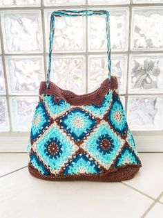 Easy Beginner Crochet Patterns, Crochet Motif Patterns, Crochet Designs, Knitting Patterns, Crochet Case, Crochet Granny, Clutch Pattern, Yarn For Sale, Crochet Market Bag