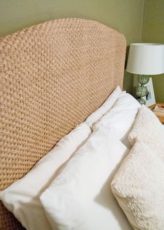 Pottery Barn Knock-Off: Seagrass Headboard - Mobel Ideer Seagrass Headboard, Quilted Headboard, Seagrass Rug, Seagrass Wallpaper, Pottery Barn Media Console, Pottery Barn Furniture, Diy Furniture, Furniture Assembly, Furniture Makeover