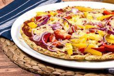Wie passt Pizza in mein Low-Carb-Vorhaben? Eigentlich gar nicht denkt ihr jetzt sicher. Von wegen! Hier die super leckere Low Carb Pizza mit Blumenkohlteig.