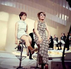 Rita Pavone e Mina Mazzini mb The Good Old Days, Rock And Roll, Serie Tv, Celebrities, Lady, Stars, Celebs, Musica, Sweetie Belle