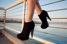 Fashion Must-Have Items: Black High Heels!!!