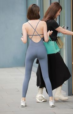 Legging Outfits, Korean Girl Fashion, Curvy Girl Fashion, Beautiful Japanese Girl, Beautiful Asian Women, Girl Outfits, Cute Outfits, South Indian Actress Hot, Girls In Leggings