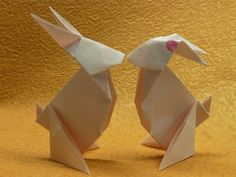 rabbit Bunny Origami, Origami And Kirigami, White Rabbits, Lisa S, Easter Crafts, Recycling, Rabbit Hole, Cards, Erika