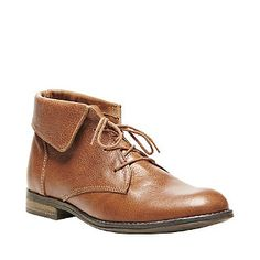 This distressed leather ankle boot by Steve Madden goes a little bit preppy thanks to lace-up styling and fold-down collar. Steve Madden Stingrei Boot #stevemadden #fashion #boot #brown #leather #preppy #style #spring #summer #fun #cute