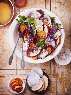Salade automnale façon bowl au Brillat Savarin I Chef, Savarin, Salad Bowls, Hummus, Acai Bowl, Snacks, Breakfast, Ethnic Recipes, Food