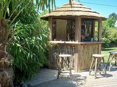 Paillote Tiki hut