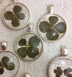 Pressed Four Leaf Clover Pendant by Mengelmoeskardoes on Etsy