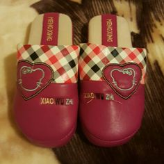 Slippers Brand new slippers Shoes Slippers