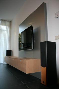 kabel und sideboard hinter hochglanz wandpaneele versteckt wohnzimmer pinterest. Black Bedroom Furniture Sets. Home Design Ideas