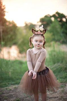 Make deer costume yourself: dress up as a Bambi for carnival Reh Kostüm selber machen: Sich als Bambi zum Fasching verkleiden Headband antlers bambi costume felt tutu brown sew yourself -