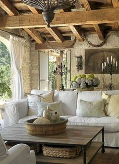 Great French Country Farmhouse Design Ideas Match For Any House Model 26 - Home Professional Decoration French Country Farmhouse, French Country Living Room, Farmhouse Design, Rustic Farmhouse, Farmhouse Style, Italian Country Decor, French Cottage, Italian Living Room, Italian Farmhouse Decor