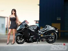 With the right parts and tuning, a well-built example can make over 600 HP at the wheel. Suzuki Motorcycle, Motorcycle Gear, Custom Hayabusa, Custom Sport Bikes, Concept Motorcycles, Cafe Racer Girl, Suzuki Hayabusa, Drag Bike, Motorbike Girl