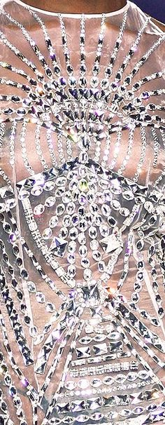 Bling to the bone Sparkles Glitter, Silver Glitter, Silver Color, Silver Spoons, Couture, Metal, Silver Jewelry, Bronze, Jewels