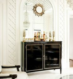 Everything you need to know to set up a chic bar at home. (via The Salonniere Party)