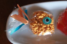 Goldfish snack or favor bags (kcommunicated.com): So cute for a birthday party with a theme such as fishing, under the sea, nautical, goldfish, mermaid / Ariel, and more!