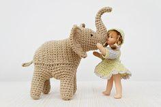 Trunk-Up Elephant amigurumi pattern - Amigurumipatterns.net