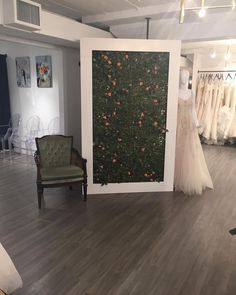 What a great night! Thank you @poseylaneweddingsyyc & @noviamiabridal for hosting #poppedyyc. It was an amazing night filled with fun laughter and sweets by @modernbakeyyc  The gorgeous olive chair is from @orangetrunk. And of course our framed garden wall - perfect for ceremony backdrops!  #poppedyyc #flowerwall #flowerwallyyc #bloomscreens #yycwedding #yycflorist #yycrentals #flowerwallrental #weddingbackdrop #ceremonybackdrop #ceremonydecor #flowerwallyyc #pin #modernbakeyyc