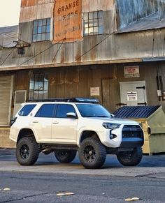 tires too tready Suv Trucks, Toyota Trucks, Toyota Cars, Toyota Vehicles, Toyota Trd Pro, Toyota 4runner Trd, Lifted 4runner, Lifted Ford, Toyota Tacoma